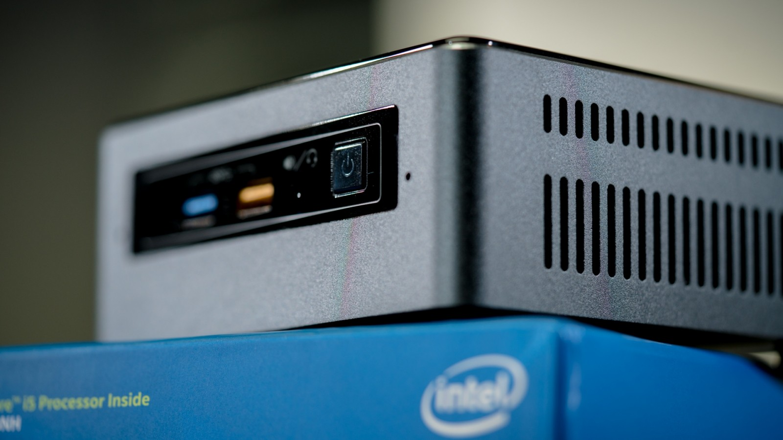 Intel NUC Kit BOXNUC8i5BEH3, With 8th Generation Core i5 8259U 2 3 GHz 3 8  GHz, Quad Core, 6MB Cac