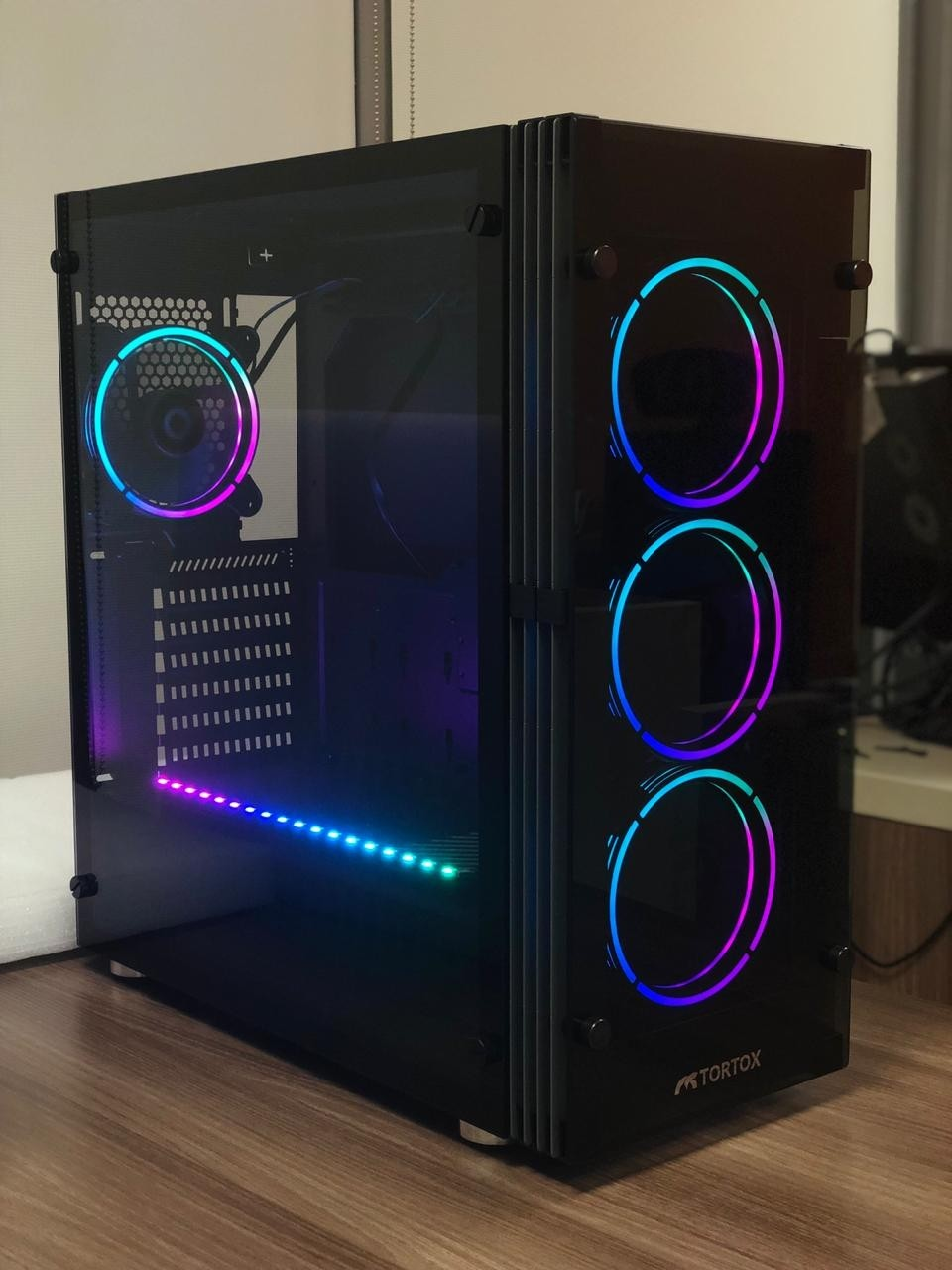 Tortox Shadow V2 Aura Supported Tempered Glass Rgb Atx
